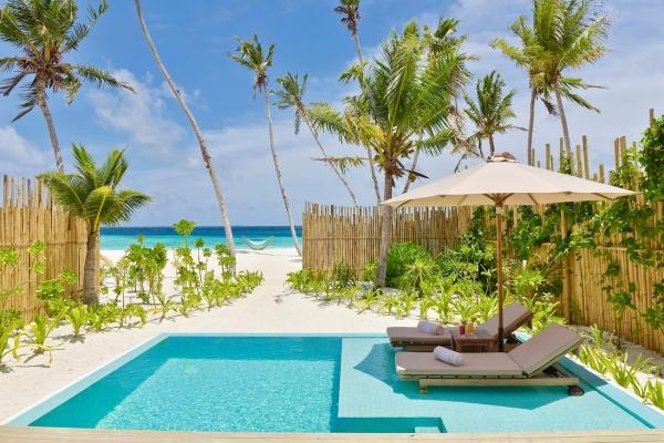 Pool Beach Villa Sunrise